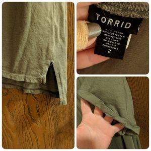 torrid Tops - 2/$25✌🏻Olive V-Neck T-Shirt w/Cuffed Sleeves-NWOT